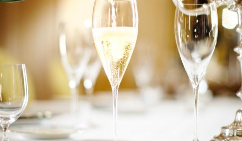 Glitrende bobler fra Moët & Chandon til årets store fejring